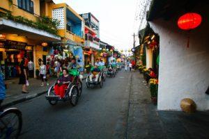 評判のベトナム・ASEAN・バランスファンドの運用成績・見通しを評価
